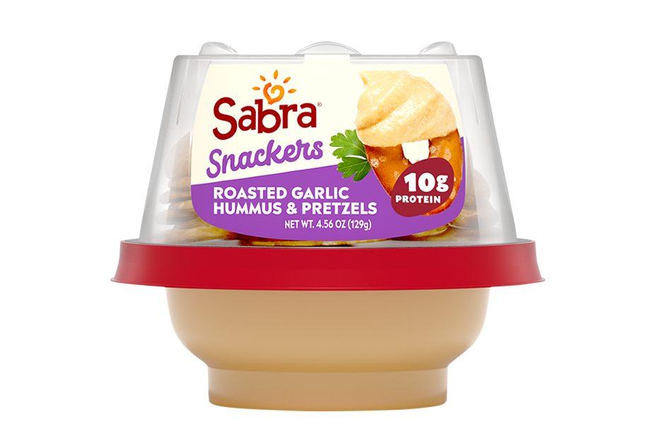Roasted Garlic Hummus with Pretzels